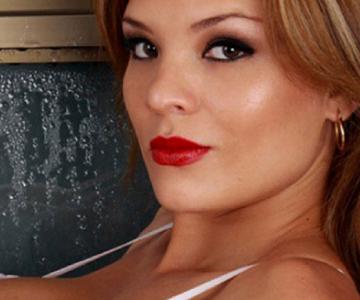 Pilar Ruiz termina pegándole a tipo barsa en show discotequero