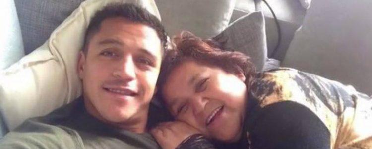 El emotivo saludo de Alexis Sánchez a su mamá