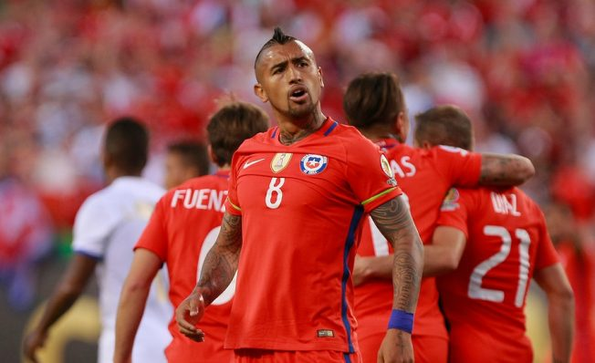 Compañeros de Arturo Vidal encontraron su doble en China