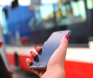 Robó el celular de una joven y lo devuelve a la policía después ver estos mensajes
