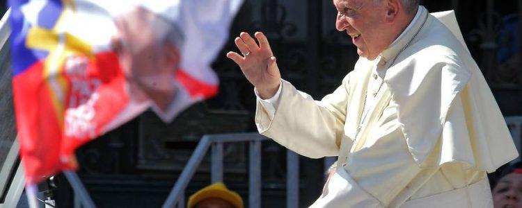 Revisa los mejores memes que ha dejado la visita del Papa Francisco