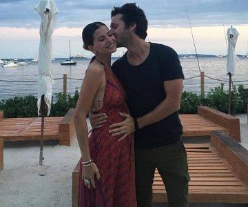 """Benjamín Vicuña y """"China"""" Suárez comparen las primeras fotos de su hija"""