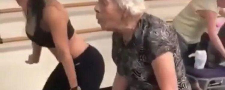 Abuelita bailando al ritmo de Daddy Yankee se vuelve viral
