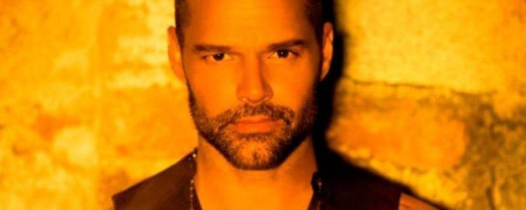 """Ricky Martin lanzó su nueva canción """"Fiebre"""""""