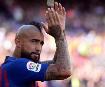 Rey Arturo saca aplausos con gesto que tuvo con brocacochis fanáticos del Barça