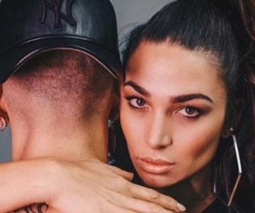 Raúl Peralta le declara todo su amor a Lisandra con foto playera