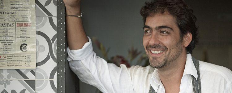 «Tengo el alma apretada»: Christopher Carpentier lamentó la muerte de cantante colombiano