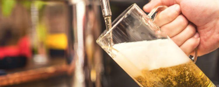 Hombre de fe vivirá a pura cerveza por 46 días para honrar a Jesús