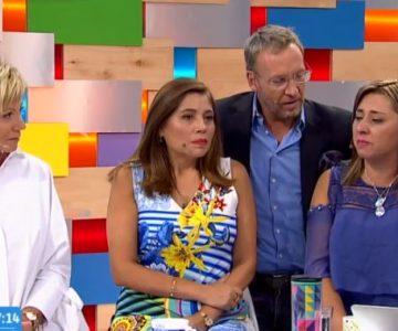 El gesto de Martín y Tonka con una de las víctimas de negligencia de la Clínica Acuario