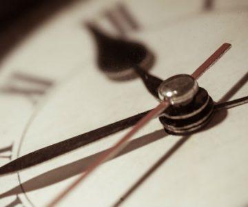 """El polémico sistema """"996"""": jornadas laborales de 12 horas al día y 6 días a la semana"""