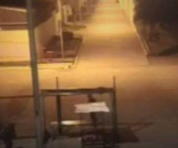 Cámara de seguridad grabó la fuga de tres reos desde Colina 1