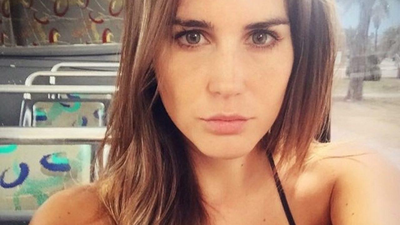 Aida Nizar Desnuda fran undurraga sorprendió con foto al desnudo y misterioso galán