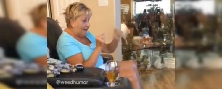 La reacción de una abuela que se comió por error los queques 'mágicos' de su nieta