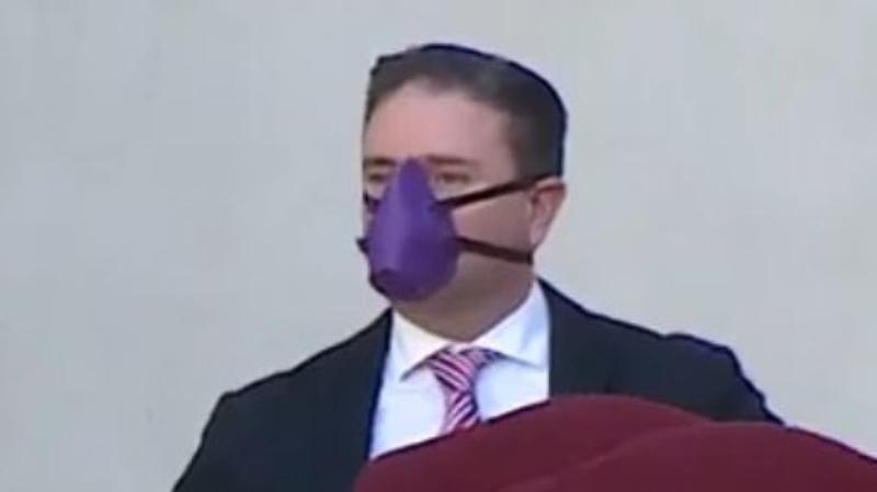 Christian Pino mascarilla
