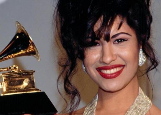 Selena Quintanilla (fuente_@selenaqoficial)