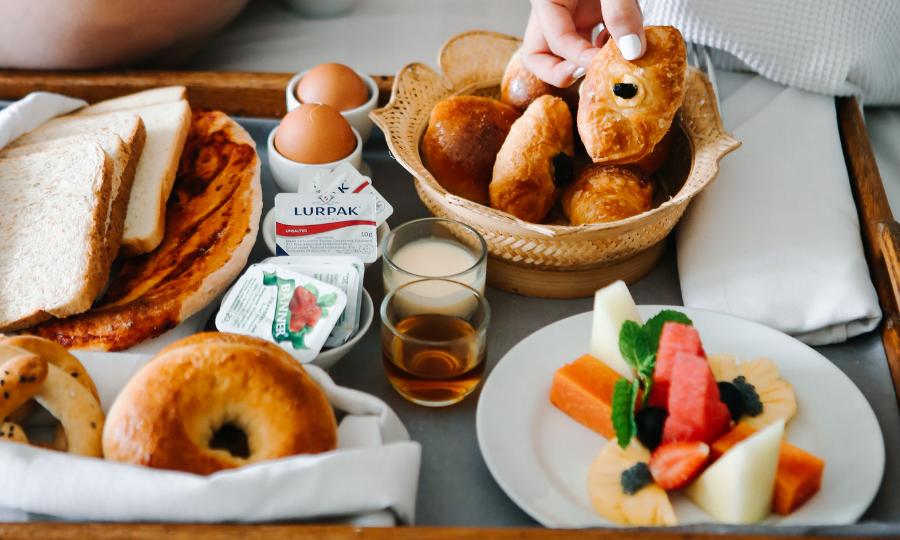 Desayuno En La Cama (Fuente Pexels)